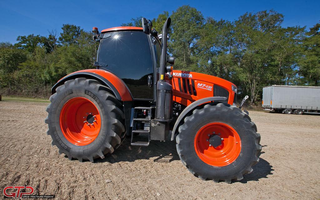 nouveaux m7 gros tracteurs pour de grosses ambitions grostracteurspassion. Black Bedroom Furniture Sets. Home Design Ideas
