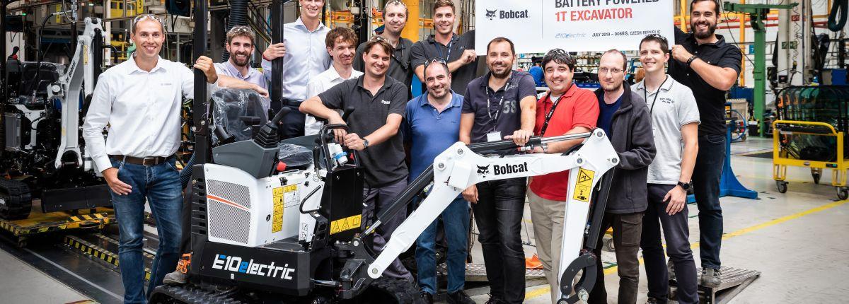 Bobcat : la première pelle électrique sort de production.