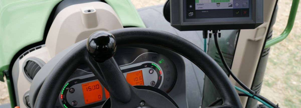3 consoles Müller Elektronic compatibles avec le guidage Trimble