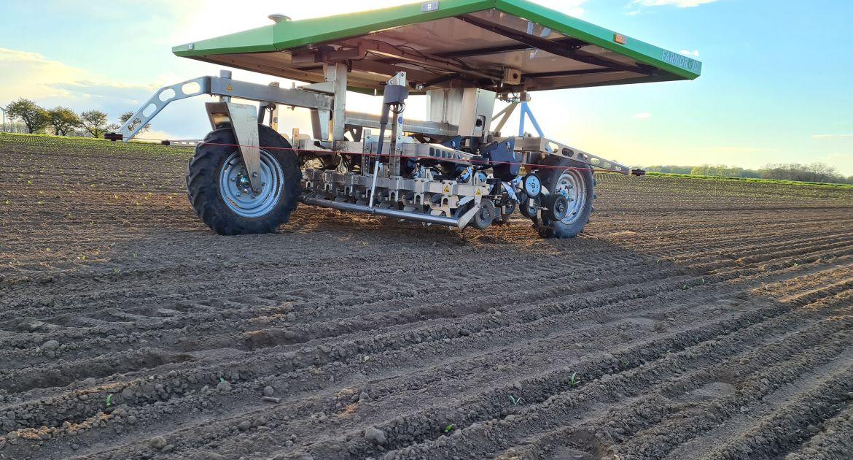 Le robot FarmDroid arrive en France