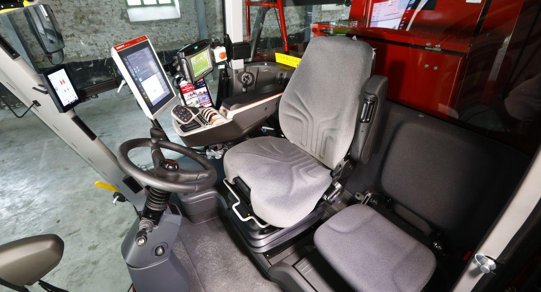 La cabine catégorie 4 intègre un nouvel accoudoir Multifonction