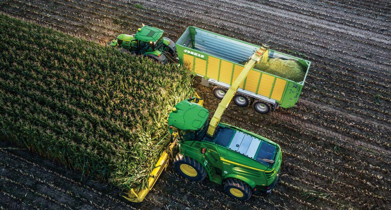 Les ensileuses et tracteurs peuvent prendre le contrôle d'autres tracteurs