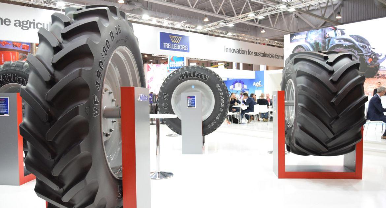 Lors du Sima, Mitas a présenté sa gamme de pneus agricoles. © GL / Pixel Image