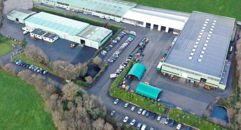 Emily   : L'usine de Tréflévénez s'agrandit de 3 000 m2 Photo_aerienne_emily