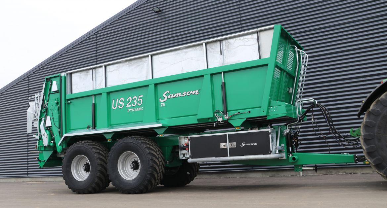 Samson : un nouvel épandeur caisse large à deux essieux.
