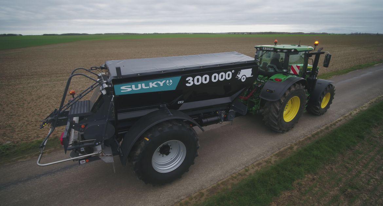 Une capacité de 9500 litres pour le 300000e épandeur d'engrais
