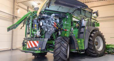 La nouvelle BiG X reçoit un moteur V12 Liebherr de1156 ch. © Krone