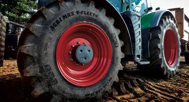BKT: le pneu Agrimax V-Flecto pour les tracteurs de forte puissance.