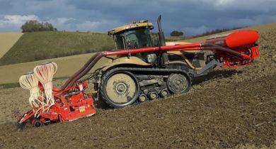 Deux nouvelles barres de semis pour semer et fertiliser.