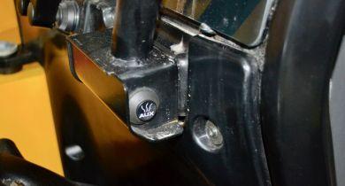 Un bouton de décompression de la ligne auxiliaire est placé à l'avant de la cabine. © FR/M&A