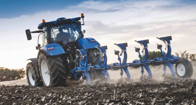 Les charrues PX et PXV sont disponibles en version 4 à 7 corps. © New Holland