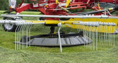 Le patin FlowTast préserve le sol et le fourrage dans les zones difficiles