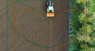 L'HeadlandControl augmente la précision des ZA-TS en tournière.