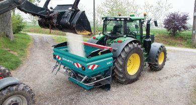 Le Speed Control permet d'épandre l'engrais à plus de 20 km/h